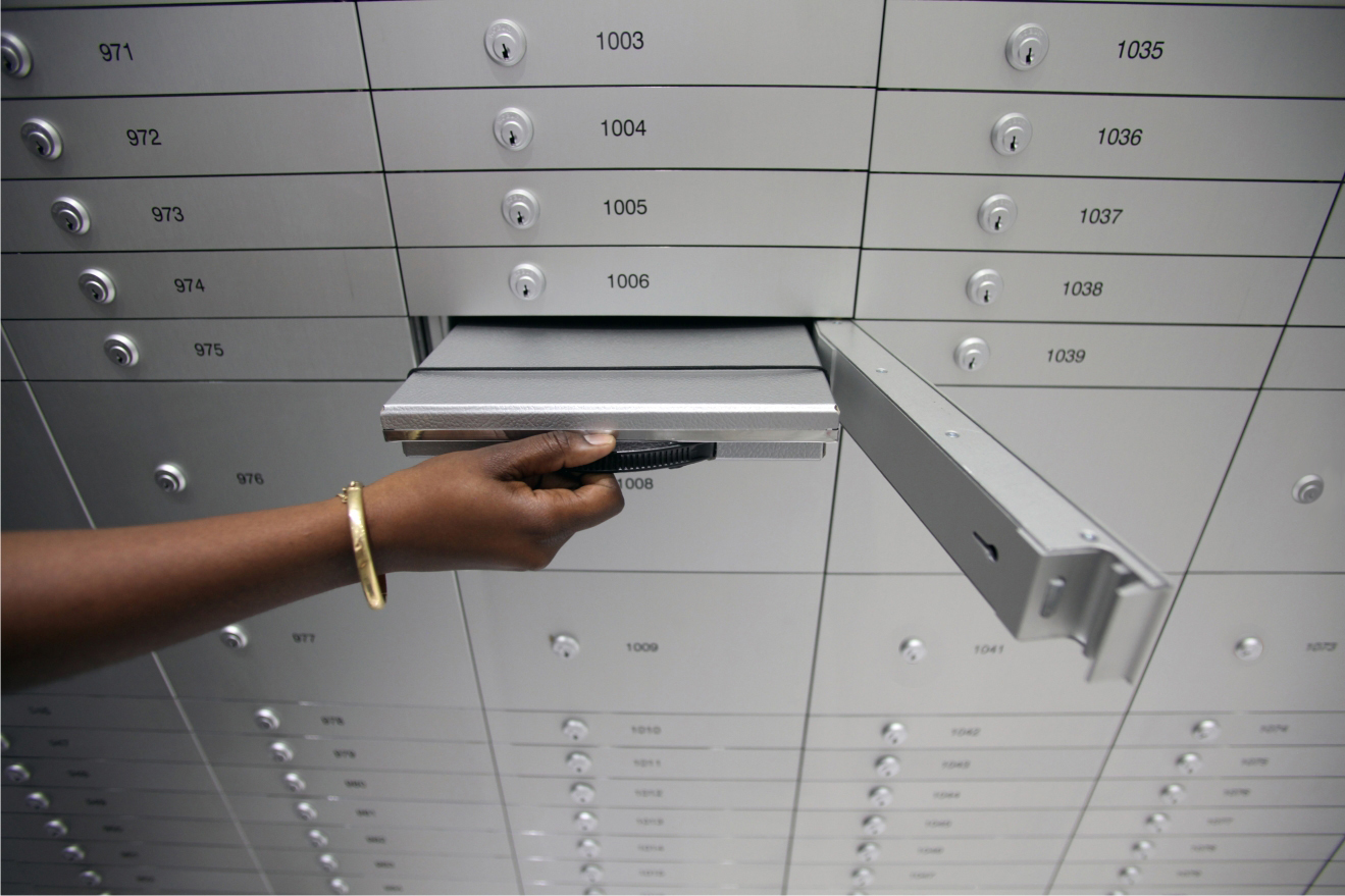 Secure safe deposit box with key lock